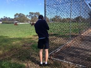 オーストラリアのイケている男子高校生は半ズボンにこだわる