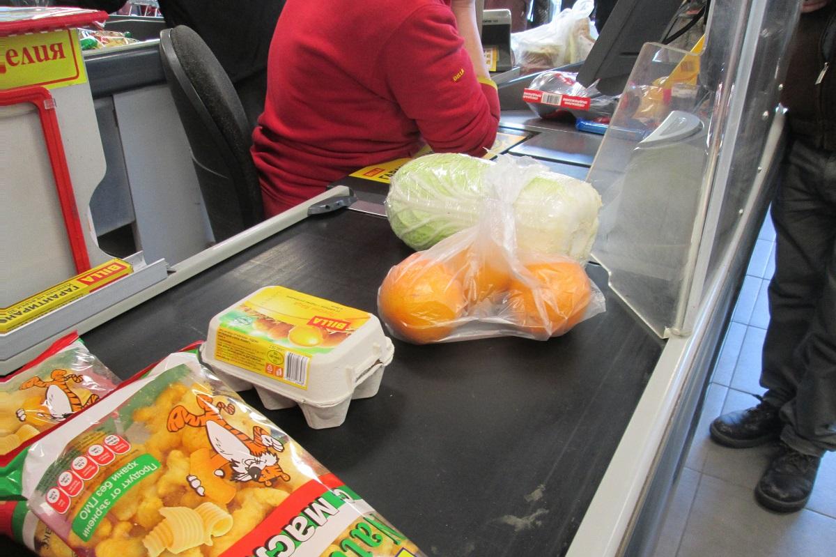ブルガリアのスーパーマーケットはヨーグルトの種類が豊富