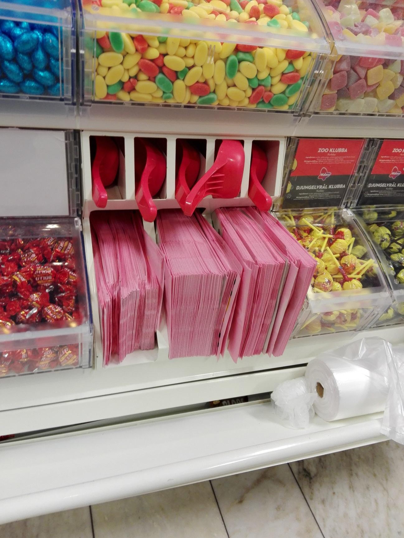 スウェーデンではお菓子の量り売り「Godis」が大人気