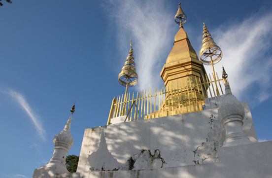 仏教国ラオスの意外な騒音問題。夜中の4時まで続く爆音の正体とは