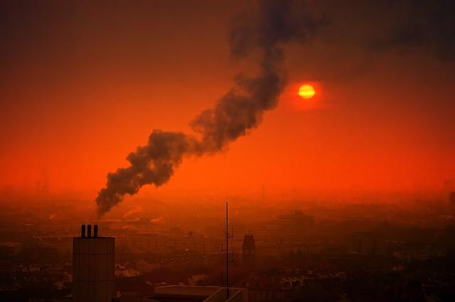 パリの空気汚染により寿命が縮む市民。パリの汚染対策を紹介